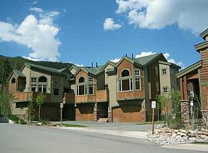 Autumn Brook Condominiums